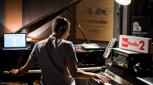 Babylon @ Piano CIty Milano - Luciano Supervielle al Red Bull Studio Mobile